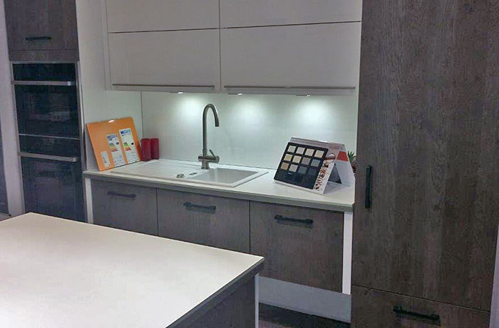 schn ppchenk chenmarkt. Black Bedroom Furniture Sets. Home Design Ideas